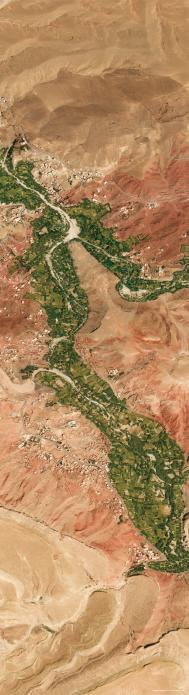 The very high-resolution satellite image shows the contrast between the luxuriant vegetation of the fields irrigated along the Dades river banks and the surrounding rocky desert. 31°35′ N, 5°54′ W satellite image ©2019 Maxar Technologies